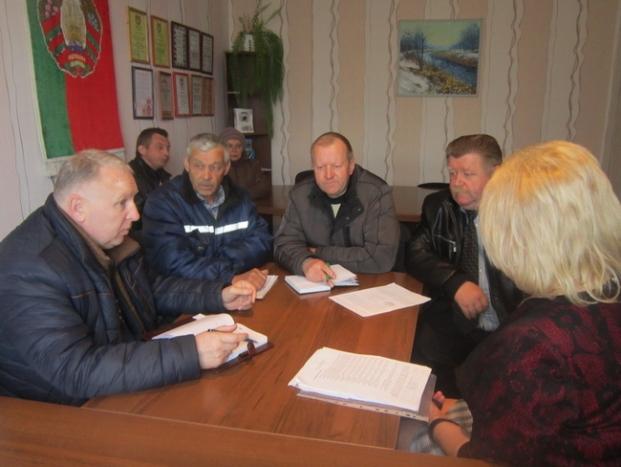 Встреча с трудовым коллективом в Иванском сельсовете
